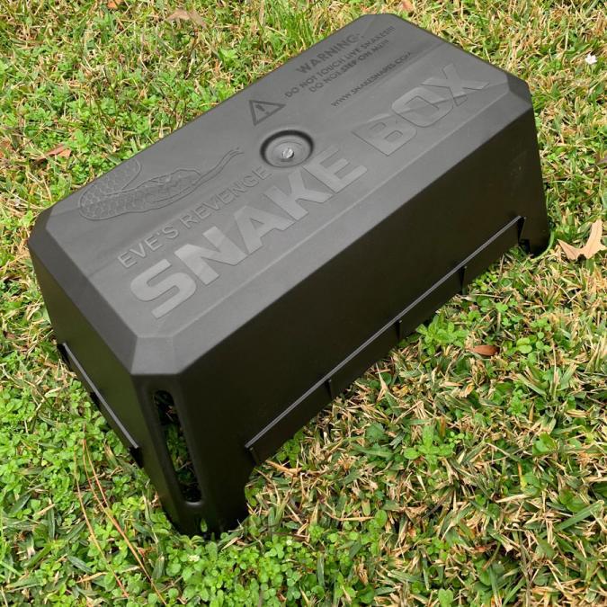 Snake snares box